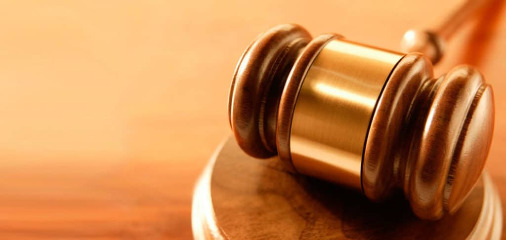 Reforma tributária avança na CCJ e passará por comissão especial; CNM atua em projeto